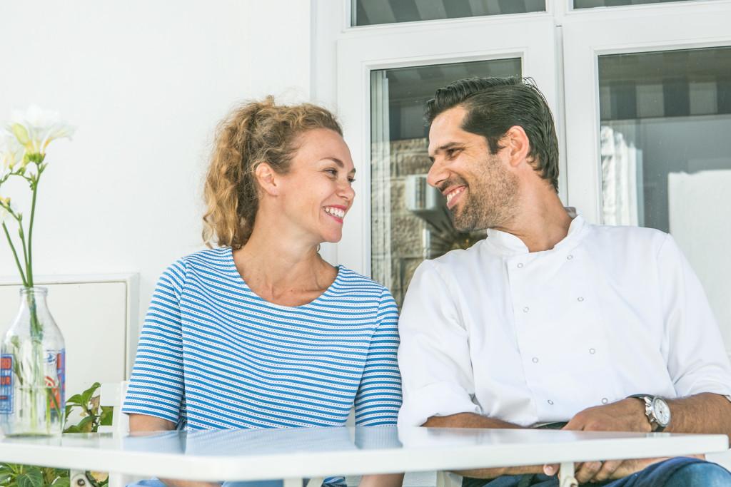 """Da kann man nur """"happy"""" sein – selbst wenn man der Gastgeber ist: Angela & Olivier"""